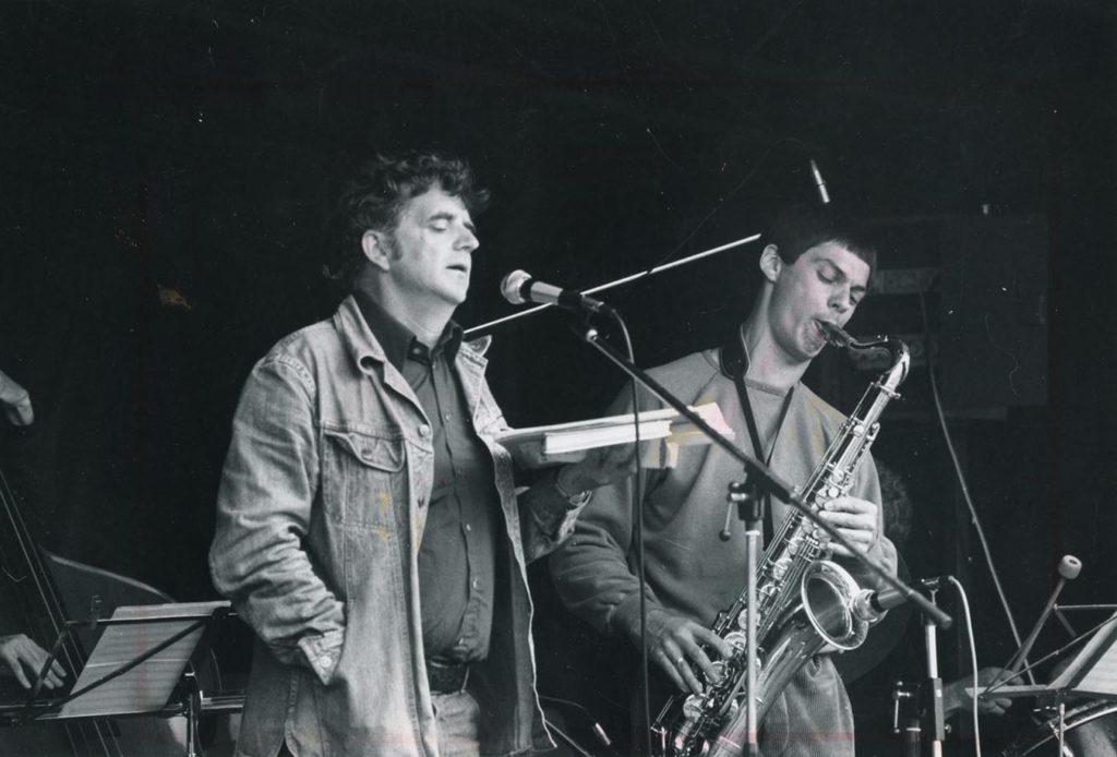 Jan Erik Vold og Jan Garbarek på Hovedøya i august 1979. Foto: Terje Mosnes